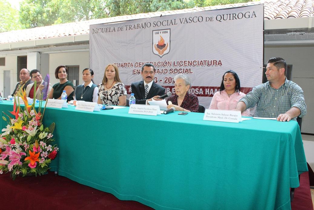 Egresa Cuarta Generación de Trabajo Social en Vasco de Quiroga, con el nombre de Ángela Escobosa Haas